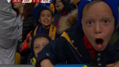 Юные болельщики сборной Украины после второго гола