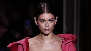 VIDEO | Cindy Crawfordi modellist tütar Kaia Gerber avaldas oma särava jume saladuse: see koostisosa päästis mu naha!