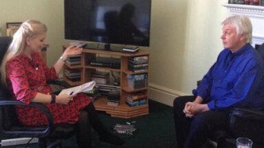 Saatejuht Ingrid Peek vestlemas David Icke'iga. Foto: Mariann Joonas