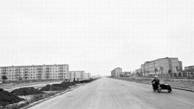 Karl Marxi puiestee, tänane Sõle tänav. Fotol paremal asuv 8. keskkool avati 1973. aastal. Täna kerkib selle juurde Pelgulinna spordihoone.