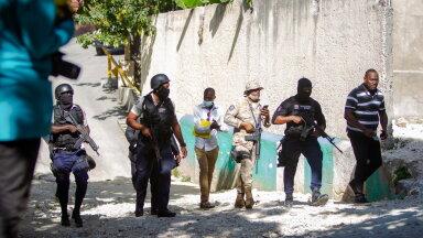 Politseinikud tapetud presidendi maja juures