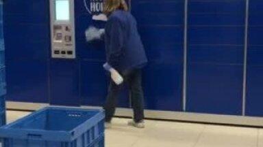VIDEO | Ajakirjanik märkas, kui lohakalt puhastatakse praegusel ajal pakiautomaate. Kuidas selline tegevus viiruse eest kaitseb?