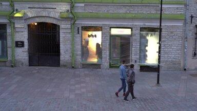 EKSPERIMENT | Vanalinnas toimub vägivaldseks kippuv peretüli. Kas inimesed tõttavad appi?
