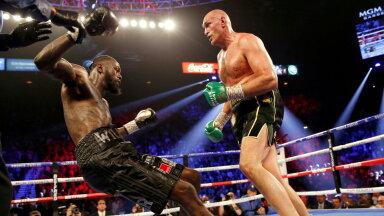 Tyson Fury (paremal) domineeris eelmises matšis Deontay Wilderit täielikult.