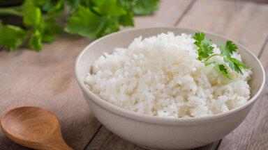 Nii lihtne! Nipp, mille abil saad eile valmis keedetud ja külmikus klompi kuivanud riisi täna uuesti sõmeraks ja kohevaks