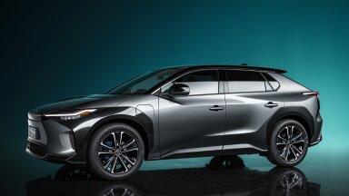 Fotod ja video: bZ4X – Toyota esitles oma järgmist elektrilist linnamaasturit