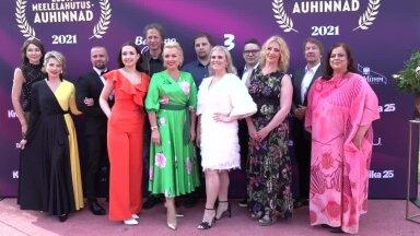 TÄISPIKKUSES | Kroonika Meelelahutusauhinnad 2021 saabumine