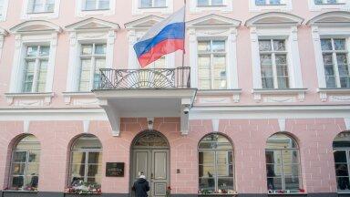 Lilled Venemaa saatkonna juures