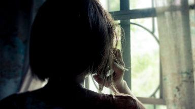 """Karmi diagnoosi saanud noor naine: kui kuuled lauset """"kas keegi on sinuga kaasas?"""", ei tõota see kunagi head"""