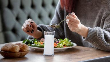 Selleks, et saaksid alati süüa nii, et poleks piinavalt valus kogutud kilode pärast, peab üht-teist esmalt selgeks tegema