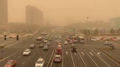VIDEO | Aastakümne suurim liivatorm mattis Pekingi paksu pruuni tolmupilve