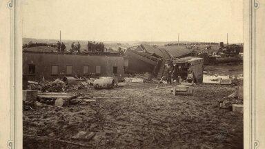 TÕI EETRI EESTISSE: On arvatud, et eetrijoomine jõudis Eestisse seoses Puka rongiõnnetusega 1897, kui Vene sõjaväeešelon sõitis rööbastelt maha ning õnnetuspaigale toodud eeter läks vasakule.