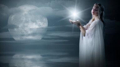 Taevas kõrguv Veevalaja sodiaagimärgi täiskuu toob kaasa ootamatuid sündmusi ja vastakaid emotsioone