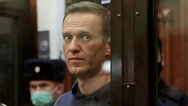 """""""Его там медленно убивают"""". Правозащитники попросили уполномоченного по правам человека посетить Навального в колонии"""