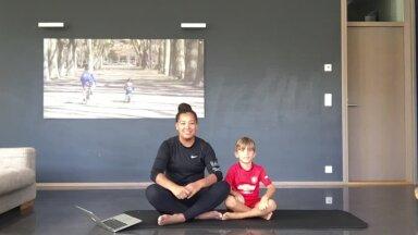 VIDEO: Monika Tuvi teeb treeningvideot kodus koos lapsega