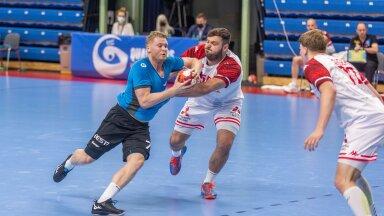 Dener Jaanimaa (palliga) mängus Austriaga.