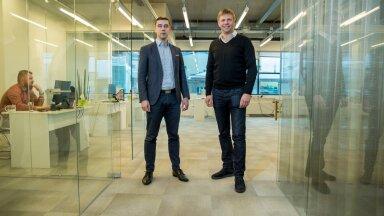 Estateguru asutaja Marek Pärtel (paremal) ja tegevjuht Mihkel Stamm