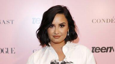FOTOD | Demi Lovato lõikas uue ülitrendika soengu, mis sobib talle imeliselt