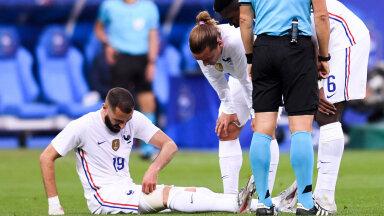 Karim Benzema pidi vigastuse tõttu avapoolajal kohtumise lõpetama.