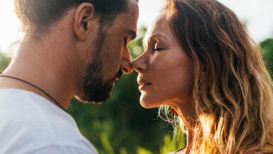 Suur ülevaade meestele: kuidas suudelda naist nii, et ta palub, et sa kunagi ei lõpetaks?