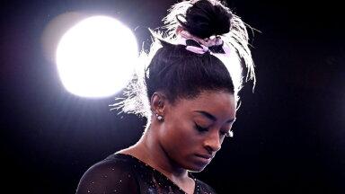 """""""Я больше, чем мои достижения и гимнастика"""". Лучшая гимнастка планеты снялась с Игр в Токио из-за психологических проблем"""