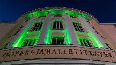 Tallinn, 09.04.2020. Rahvusooper Estonia värvus kriisiga võitlemise toetuseks roheliseks.