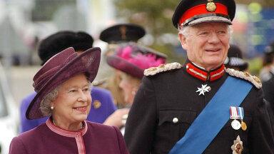 Kuninganna Elizabeth ll ja Sir Timothy Colman 2004. aastal