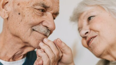 Прожившие в браке 60 лет супруги раскрыли секрет долгих и счастливых отношений