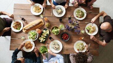 Ученые доказали, что семейные обеды помогают похудеть
