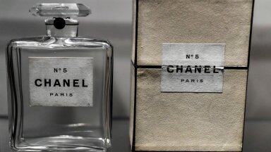 100 лет Chanel №5. Пять фактов о легендарном аромате