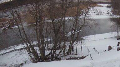 VIDEO | Narva kordoni piirivalvurid päästsid kaks jääpangaga saarele triivinud teismelist