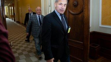 VAIKIB: Louis Freeh ei ole rahandusministeeriumile selgitanud, milliste tööde eest ta arveid esitas.
