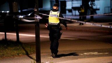 Politseinik lasti Göteborgi tänaval maha kolmapäeva õhtul kell 20.30. Politseijuhtide sõnul võis tegelik sihtmärk olla keegi teine.