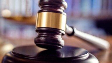 В России начался первый в истории суд по делу о договорном матче. Футболистам и тренерам грозит до пяти лет колонии
