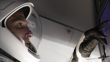 Работа внутри корабля Space X