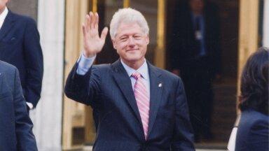 PRESIDENDILIK TERVITUS Bill Clinton oma Eesti visiidil.
