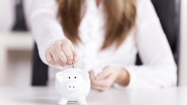 Raha lihtsalt libiseb käest? Proovi edukate inimeste soovitusi, mis tõesti aitavad kokku hoida