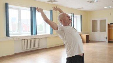 СПОРТИВНОЕ УТРО   Важные упражнения показывает 79-летний ветеран спорта. Двигайтесь вместе с ним!