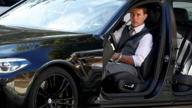 """FILE PHOTO: Actor Tom Cruise is seen on the set of """"Mission Impossible 7"""" in Rome"""