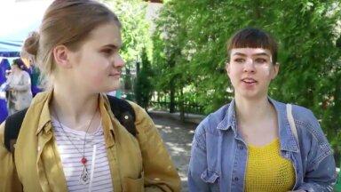 DELFI VIDEO | Kaks noort tüdrukut tegi Euroopa päeva raames läbi passimängu