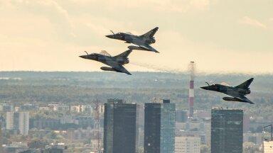 Mirage 2000-5 ülelend Tallinnast