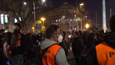За свободу рэпа. В Мадриде и Барселоне из-за ареста коммуниста Хаселя произошли беспорядки и стычки с полицией, больше 50 человек получили ранения