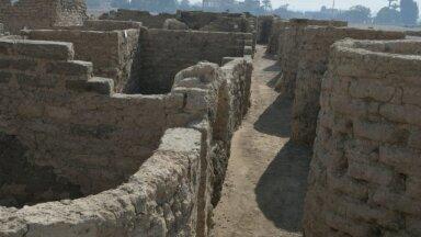"""Luxori linna lähedalt avastatud kõrbeliiva alla mattunud """"kadunud linn"""""""