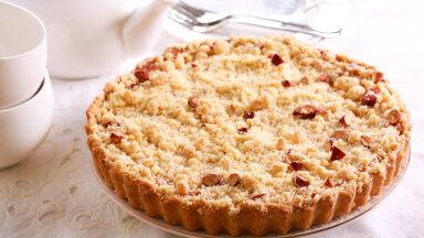 RETSEPTID | Krõbe ahvatlus — purukook. Proovi kohupiimaga, vaarikatäidise või aprikoosidega!