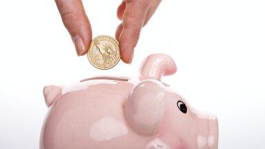 Vaata oma kulud üle: ajahambusse jäänud asjad, millele me ikka raha kulutame