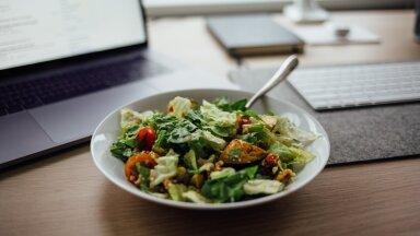 Диетолог рассказала о способе похудения без сокращения размера порций