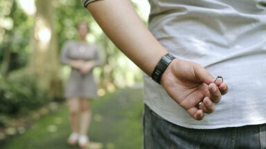 Oled lootusetu romantik? Ettevaatust, sest need abielumüüdid võivad rikkuda su suhte