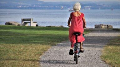 """Paljusid inimesi huvitab, kui vanalt saab minna pensionile enne """"päris"""" pensioniea kättejõudmist."""