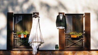 FOTOD | Inspiratsiooni pruudile ja peigmehele: lisaks pulmakleidile ja ülikonnale tuleb sel erilisel päeval valida kandmiseks nii mõnigi aksessuaar
