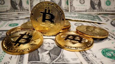 Bitcoin ja USA dollar